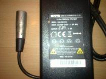 36V-os intelligens töltő Li-Ion akkuhoz BRD-003,015